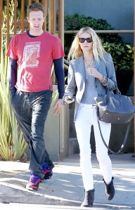 1354739789_chris-martin-gwyneth-paltrow-467