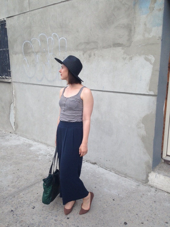 Culottes and hat